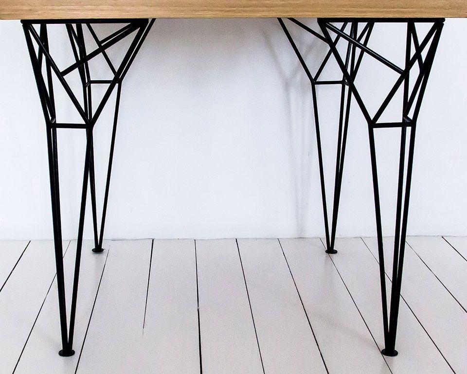 Оригинальный дизайн опоры стола от компании ВАЛАРИ